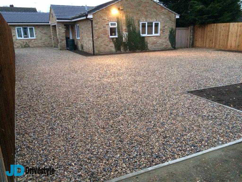 how to prepare ground for a gravel driveway