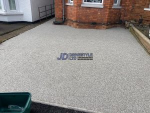 Resin Bound Driveway with New Kerbing in Tunbridge Wells