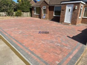Brindle and Charcoal Block Paved Driveway in Winchelsea Beach