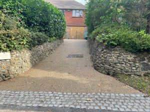 Resin Bound Driveway with Cobbled Apron in Tunbridge Wells